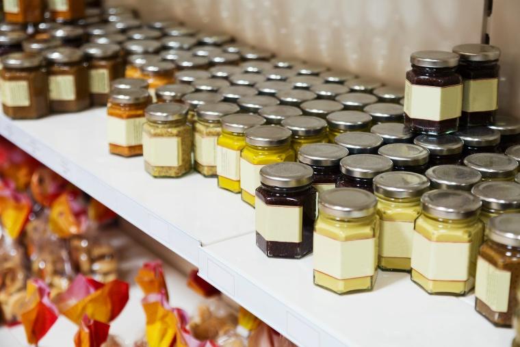 スーパーでも蜂蜜は買えるが……