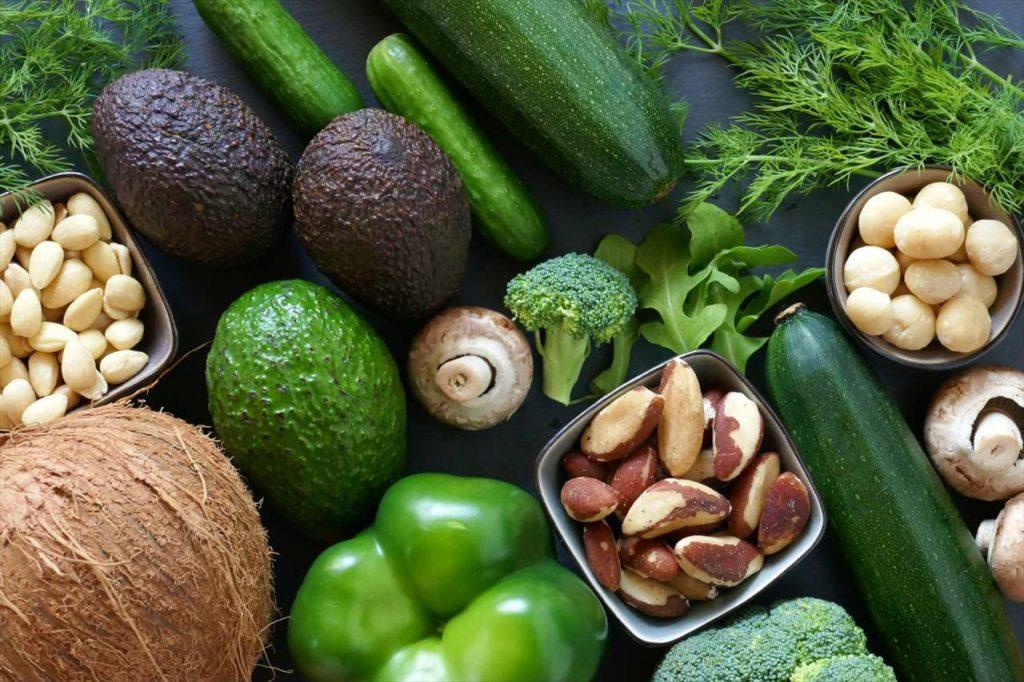 野菜とマカダミアナッツ